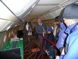 Председатель Клуба Героев города Жуковского Г.Г.Ирейкин встречает посетителей авиасалона на борту Ту-144Д 77115