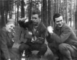 Ирейкин Геннадий Григорьевич (в центре)
