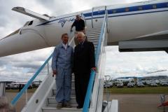 Инженер по эксплуатации Ту-144 А.Н.Амелюшкин и авиаконструктор В.И.Близнюк.