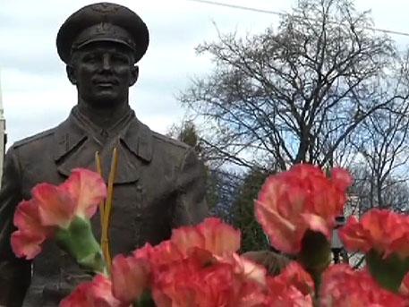 Памятник Гагарину в Брянске