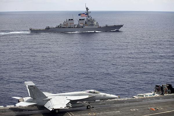 F/A-18 на палубе