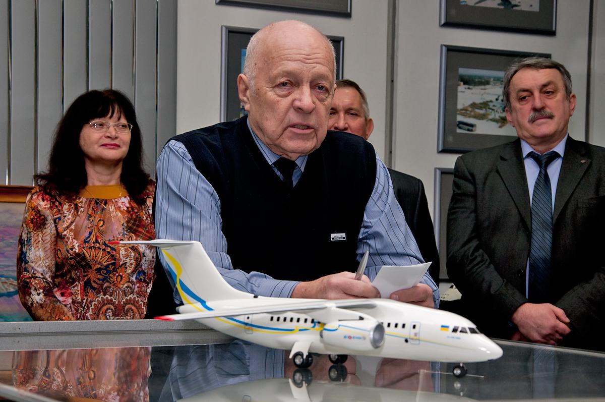Мигунов Валерий Валентинович - летчик-испытатель 1-го класса методист-инструктор,Герой СССР