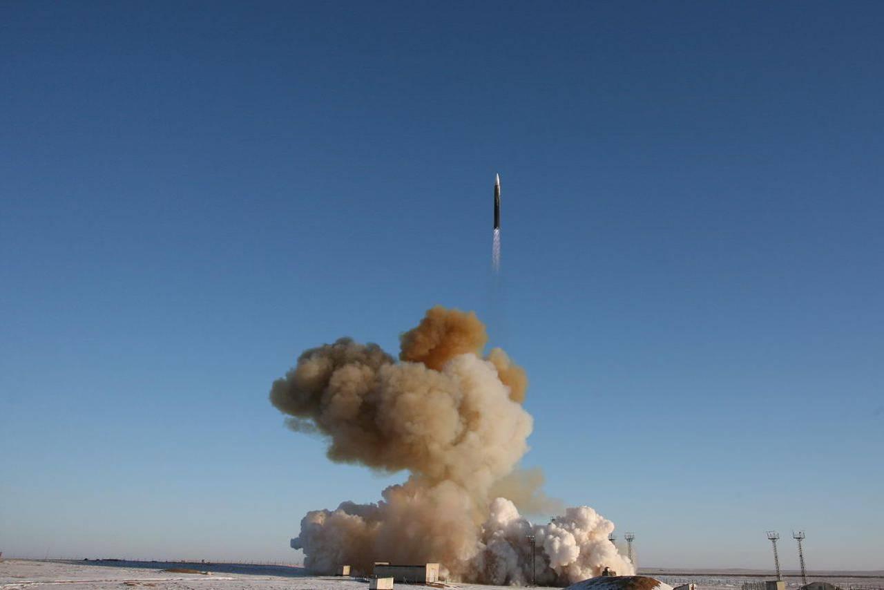 Запуск МБР УР-100Н УТТХ в конфигурации ракеты-носителя. Байконур, 14 декабря 2014 г.