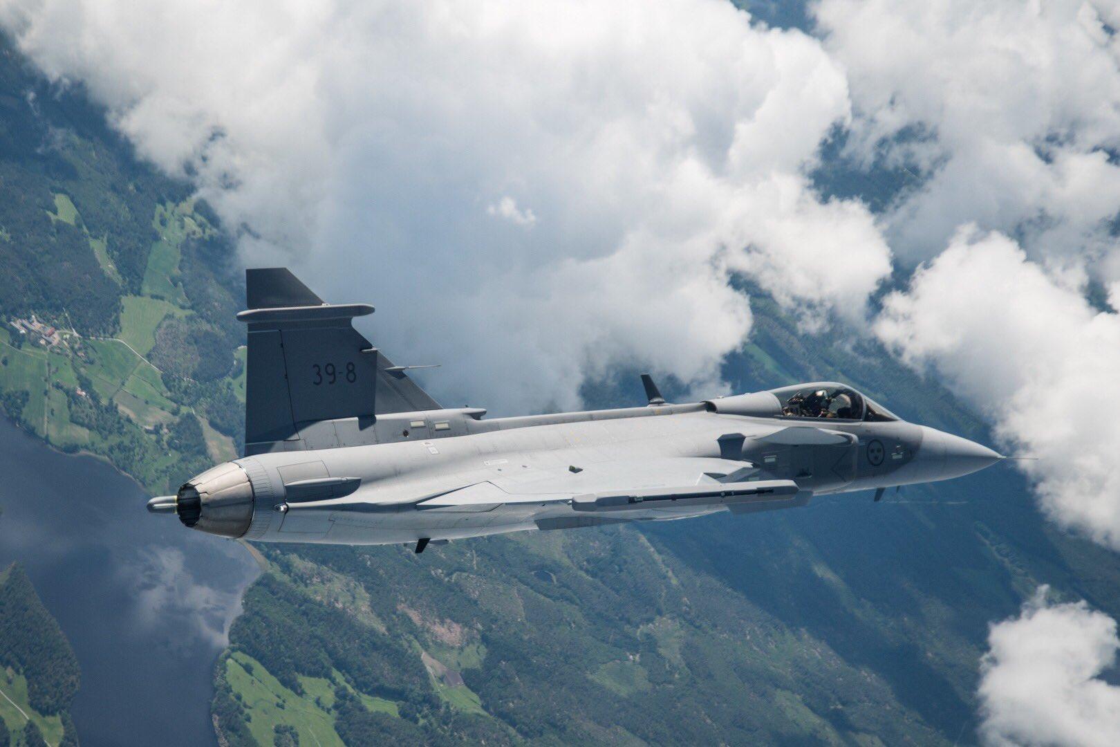 Первый опытный образец истребителя Saab JAS-39E Gripen (Gripen E, бортовой номер 39-08) в первом полете. 15.06.2017 (с) Saab AB