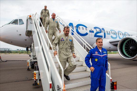 Экипаж второго МС-21 в Жуковском