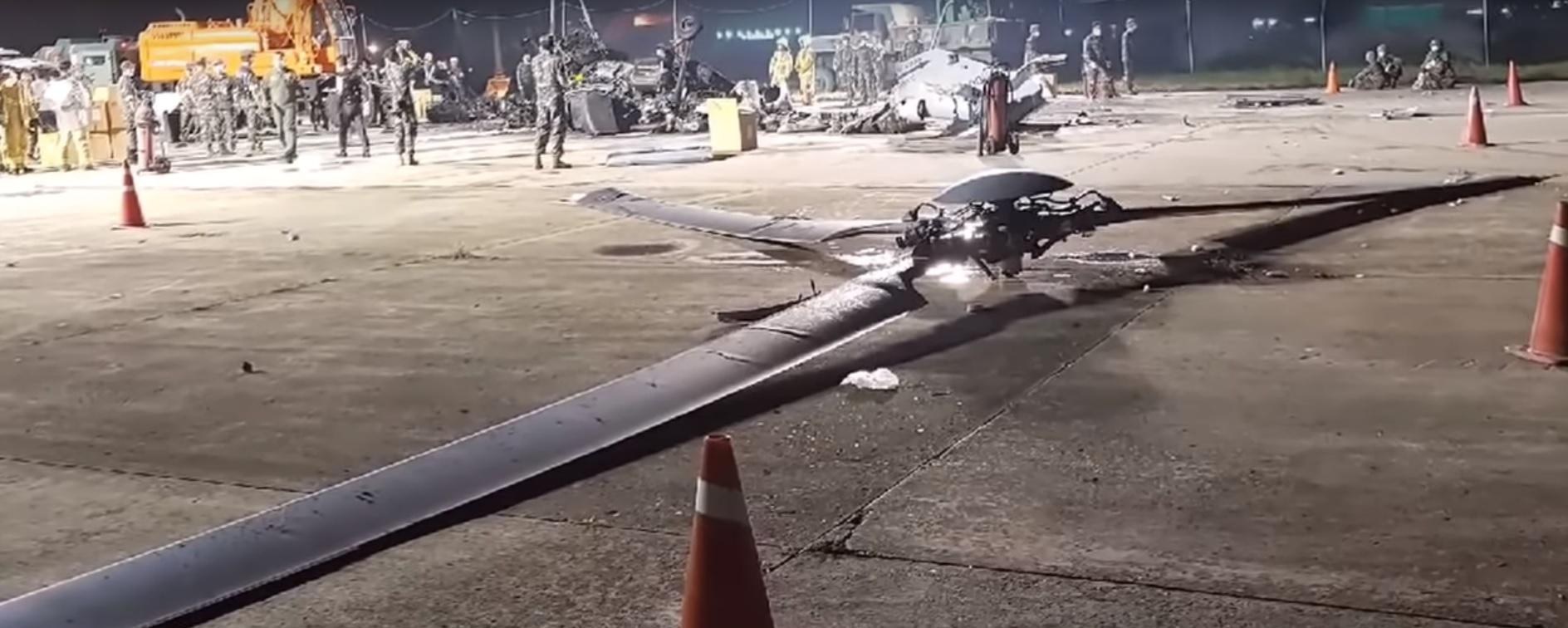Оторвавшийся несущий винт, ставший причиной катастрофы вертолета KAI MUH-1 морской пехоты Южной Кореи. Пхохан, 17.07.2018 (с) bemil.chosun