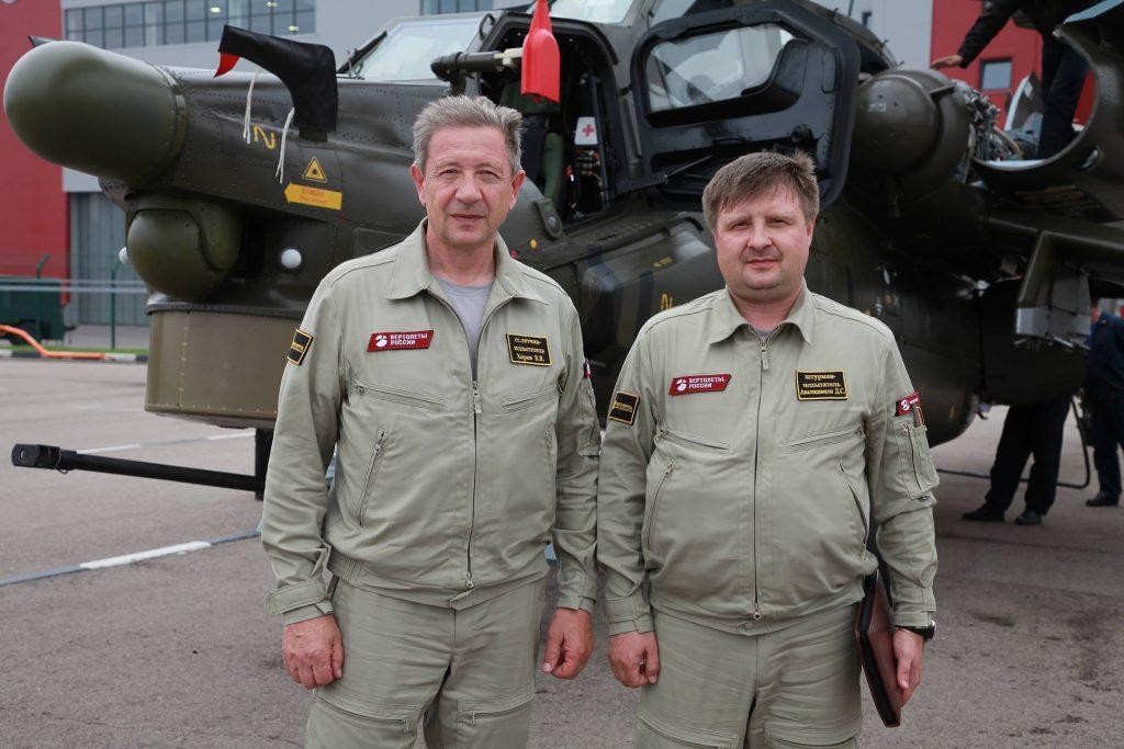 Владимир Хорев (слева)