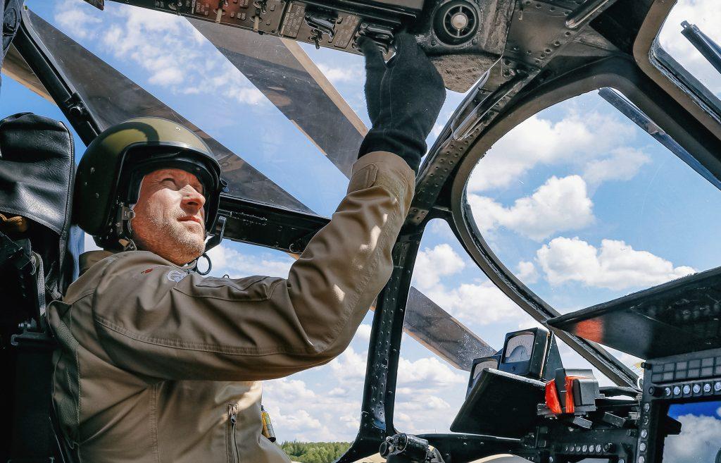 Летчик-испытатель Александр Чередниченко © Сергей Карпухин/ТАСС