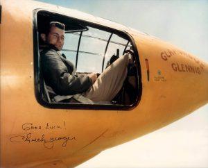 Американский летчик-испытатель Чак Йегер